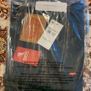LEVI's Men's Jeans 505 size 36x32. Brand new